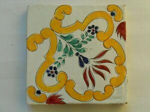 Decoro in argilla cotto fatto a mano piastrella tipo ceramica vietri