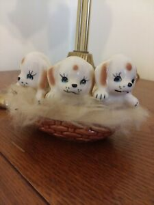 VINTAGE-Mid-Century-Modern-3-Puppies-Dogs-In-Basket-W-Fur-JAPAN