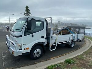 2010-HINO-300-WIDE-CAB-ELECT-750KG-TAILGATE-LOADER-10-MONTHS-REGO-DRIVESLIKENEW