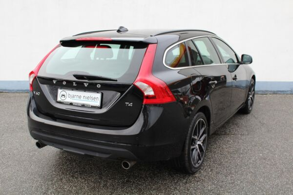 Volvo V60 1,6 T4 180 Momentum aut. - billede 1
