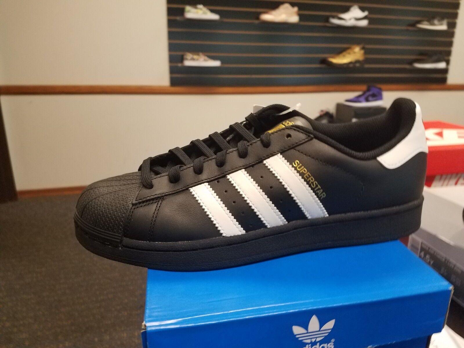 Brand New in Box Adidas Men's Super Star Basketball B27140 BLACK WHITE gold