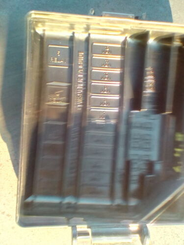 2002 LINCOLN CONTINENTAL 4.8l FUSE BOX COVER LID