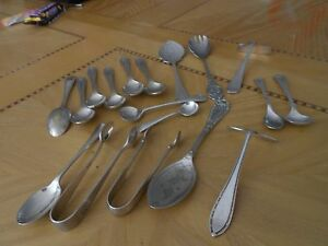 Eighteen-pieces-of-assorted-silver-plate-cutlery-priced-at-18-the-lot-to-clear