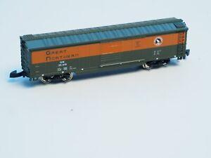 Marklin-Z-scale-GREAT-NORTHERN-railroad-USA-Box-car-G-N