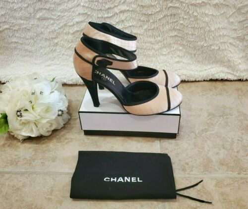 CHANEL heels size 8.5 (39) preowened