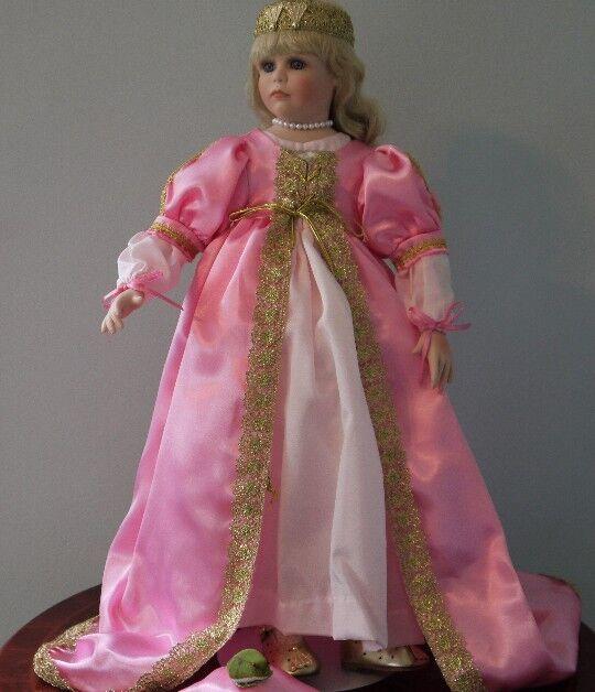 Frog Principessa  BELLISSIMO 21  Porcelain Doll