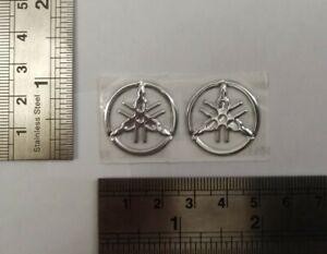 Yamaha-adhesivos-con-el-logotipo-insignia-de-plata-3D-Calcomanias-Graficos-Superbike-R1-R6-MT01-MT07