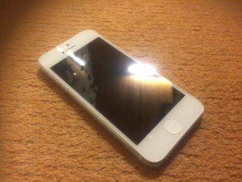 1 of 1 - Apple iPhone 5 - 16GB - White & Silver Smartphone (EE)