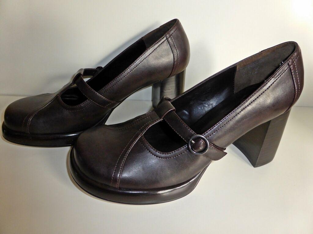 SKECHERS 41 / Schuhe / Gr. 41 SKECHERS / dunkelbraun / Halbschuh / Schulmädchen Style d01007