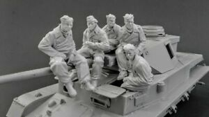 1-35-Resin-WWII-German-5-Tankers-at-Rest-unpainted-unassembled-CK034
