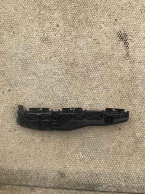 TOYOTA RAV4 MK3 2005-12 REAR LEFT BUMPER BRACKET MOUNT 52156-42031 GENUINE