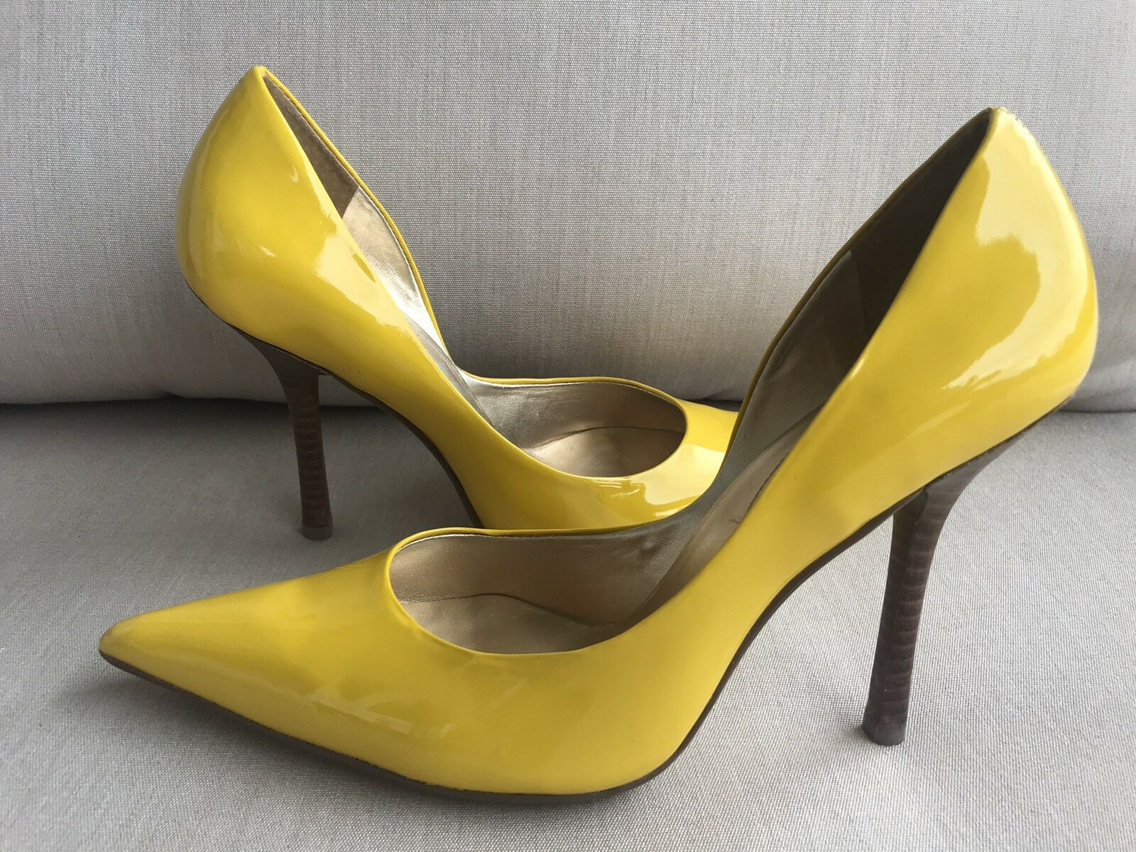 PaTeNT yeLLoW EUC Sz 7 LEATHER Pointy Toe Stilettos Heels PUMPS CARRIE GuESS