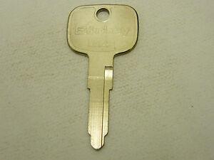 Car-B-Key-Blank-for-GM-GMC-W4-Tiltmaster-Isuzu-Profile-A