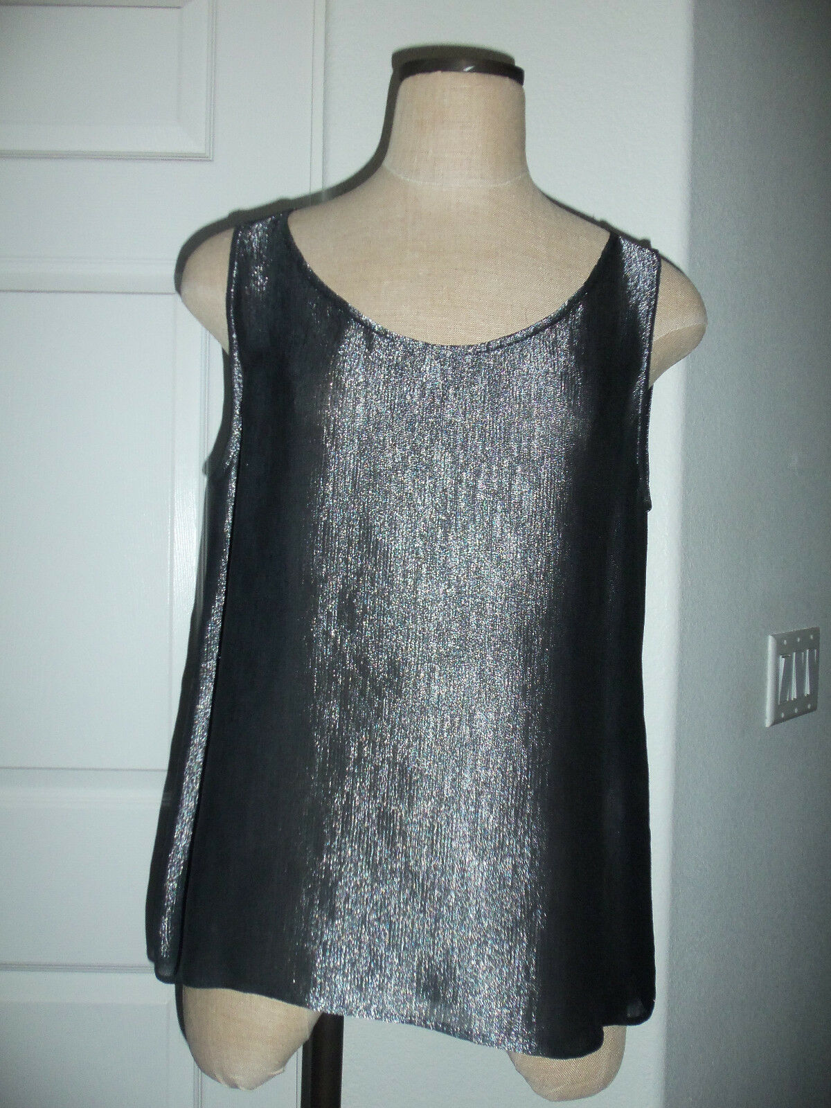 Giorgio Armani Collezioni Weiß Label Metallic grau Silk Blend Sleeveless Top 14