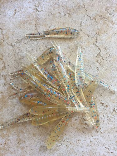 """Details about  /Item#116 24ct 3/""""Clear w// blue/&red glitter Split tail Cajun beetle bait plastics"""