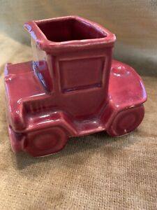 Vintage-SHAWNEE-USA-CRANBERRY-OLD-TRUCK-680-Auto-Car-Art-Pottery-Planter-Decor