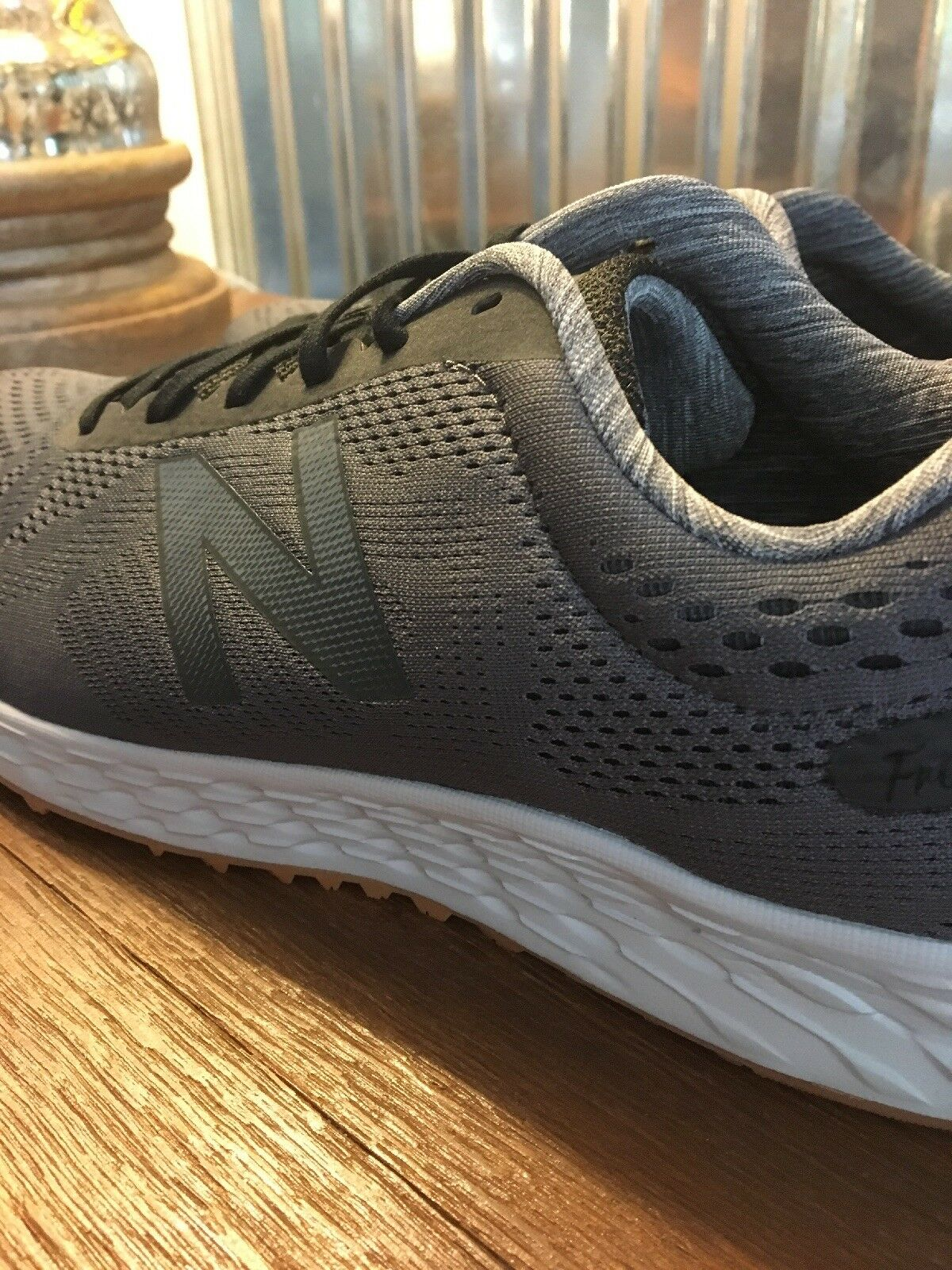 2018 New Balance Running Shoes Men's Size New With Box Free Shipping