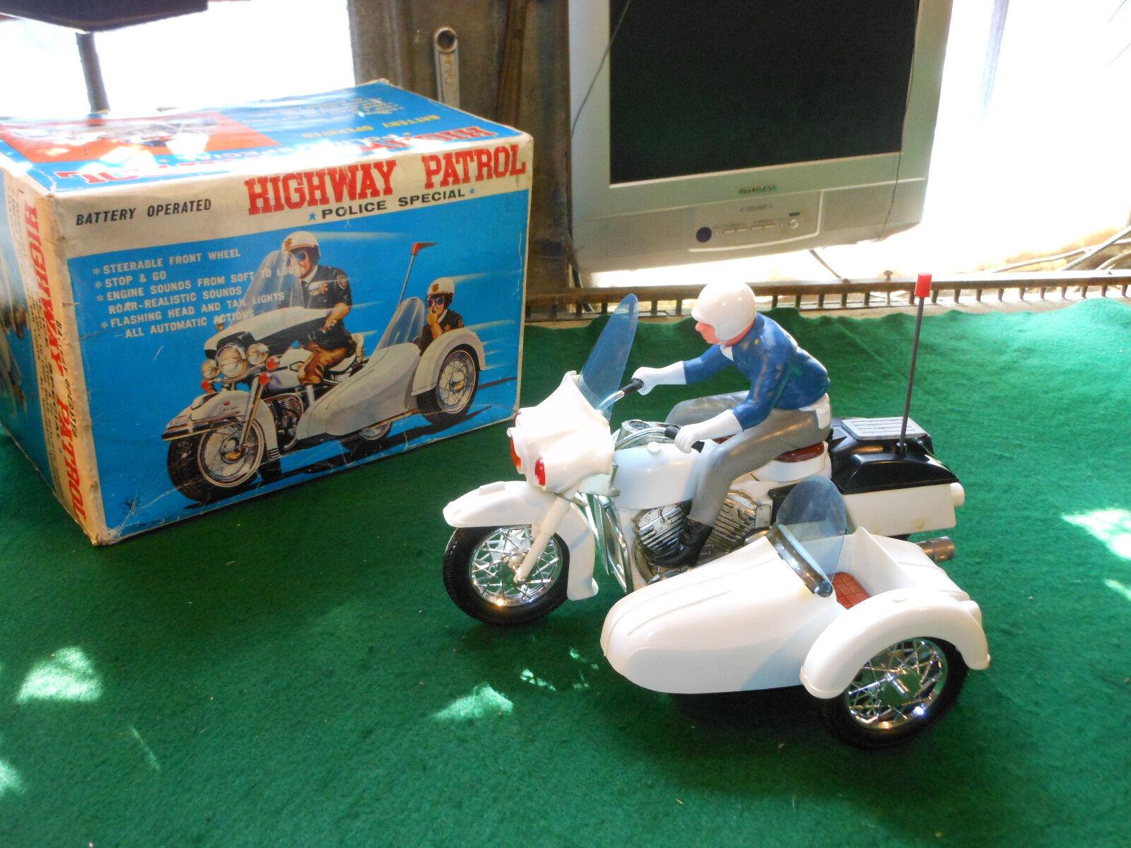 Rare Toy Yonezawa Highway Patrol Police Motorcycle made in Japan Vintage Tin BOX