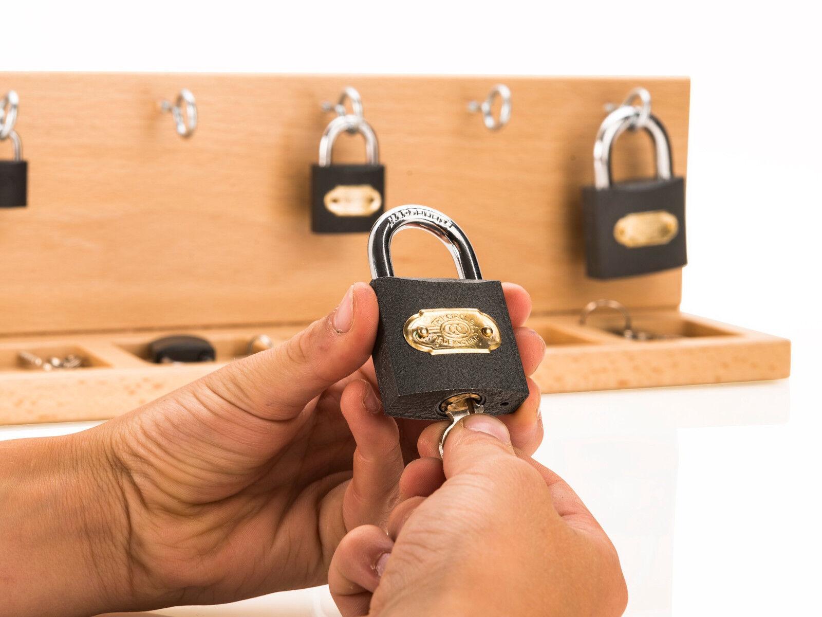 Feinmotorik und und und Handmotorik mit Montessori-Material fördern Schlüssel verwenden d3fb9a