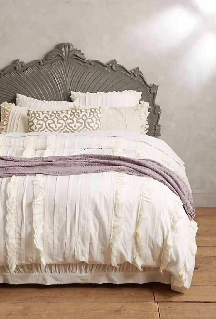 New Anthropologie Ivory Tiered Ruffle King Duvet