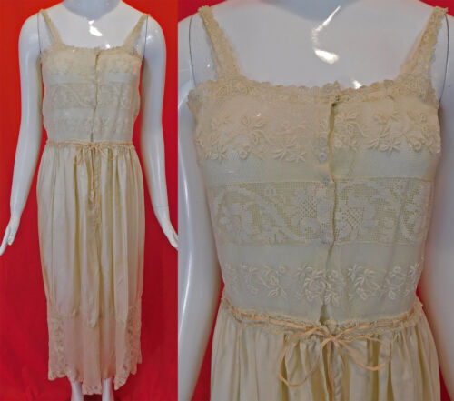 Vintage Cream Silk Embroidered Filet Lace Handkerc