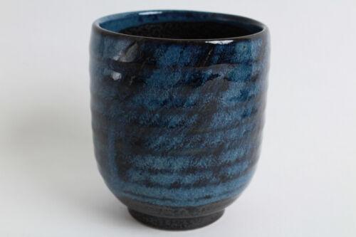 Mino ware Japanese Sushi Yunomi Chawan Tea Cup Brushed Navy on Blue