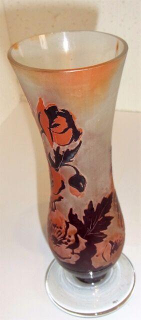 schöne Jugendstil Vase, rötliche Mohnblumen, unsigniert, ca:H 18cm, Dm 7cm,122 g