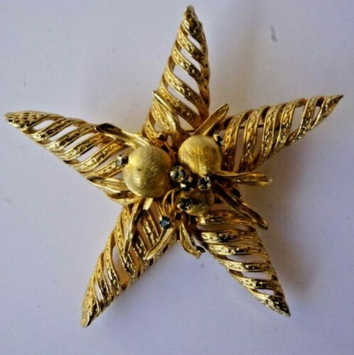 Vintage Fish Brooch Pin Blue Rhinestone Eye Faux Pearl Gold Tone Metal Costume Jewelry PanchosPorch