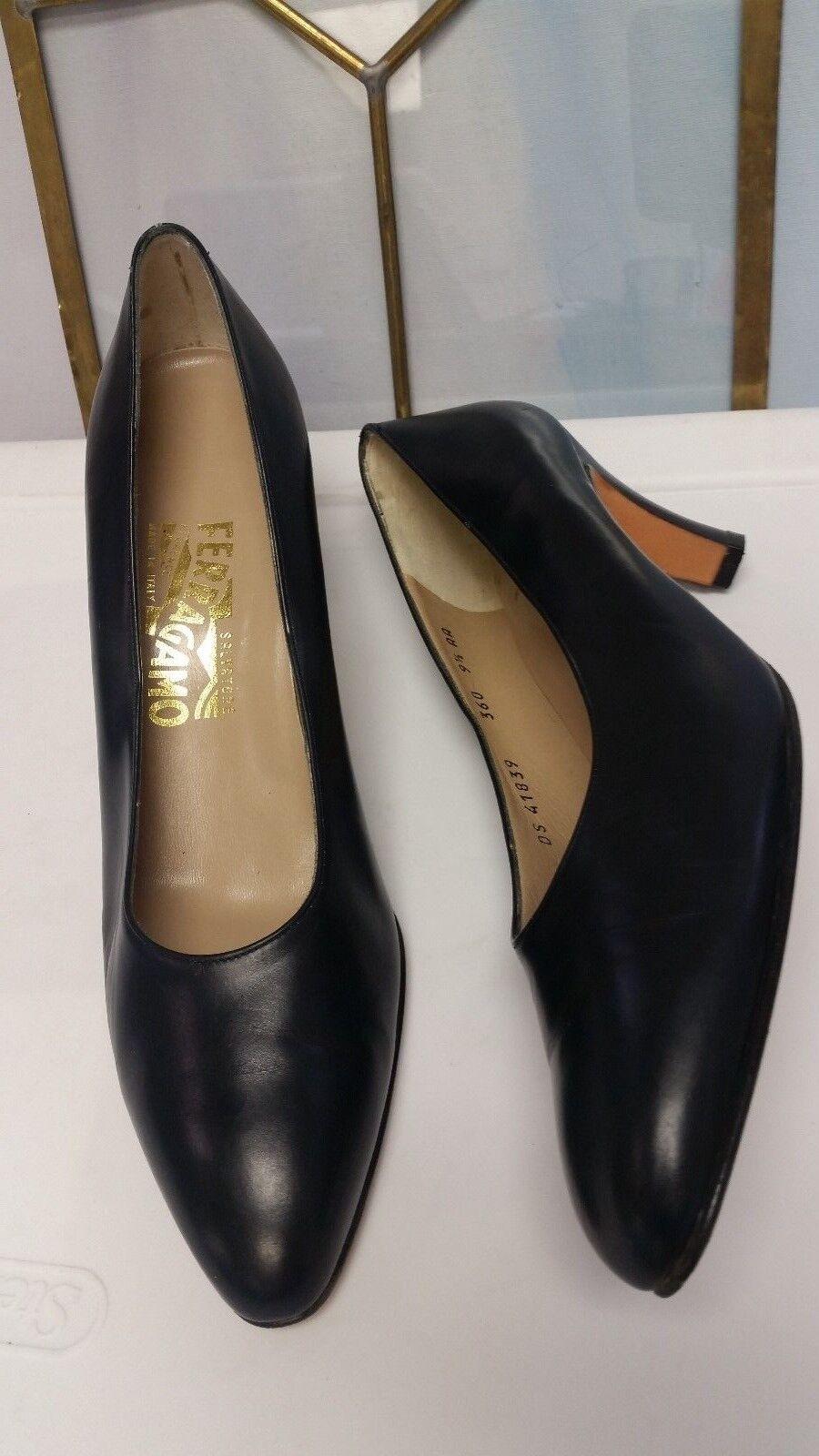 Womens Salvatore Ferragamo bluee Leather Closed Toe Pumps High Heels Size 9.5 AA