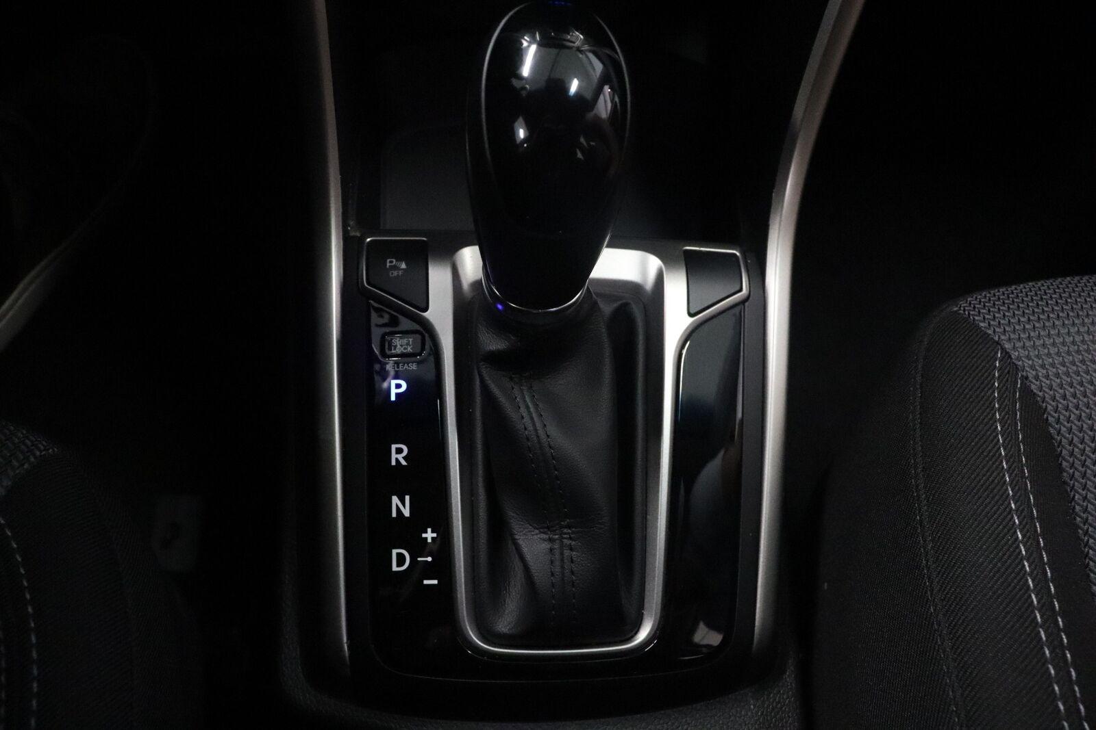 Hyundai i30 CRDi 110 Premium CW DCT