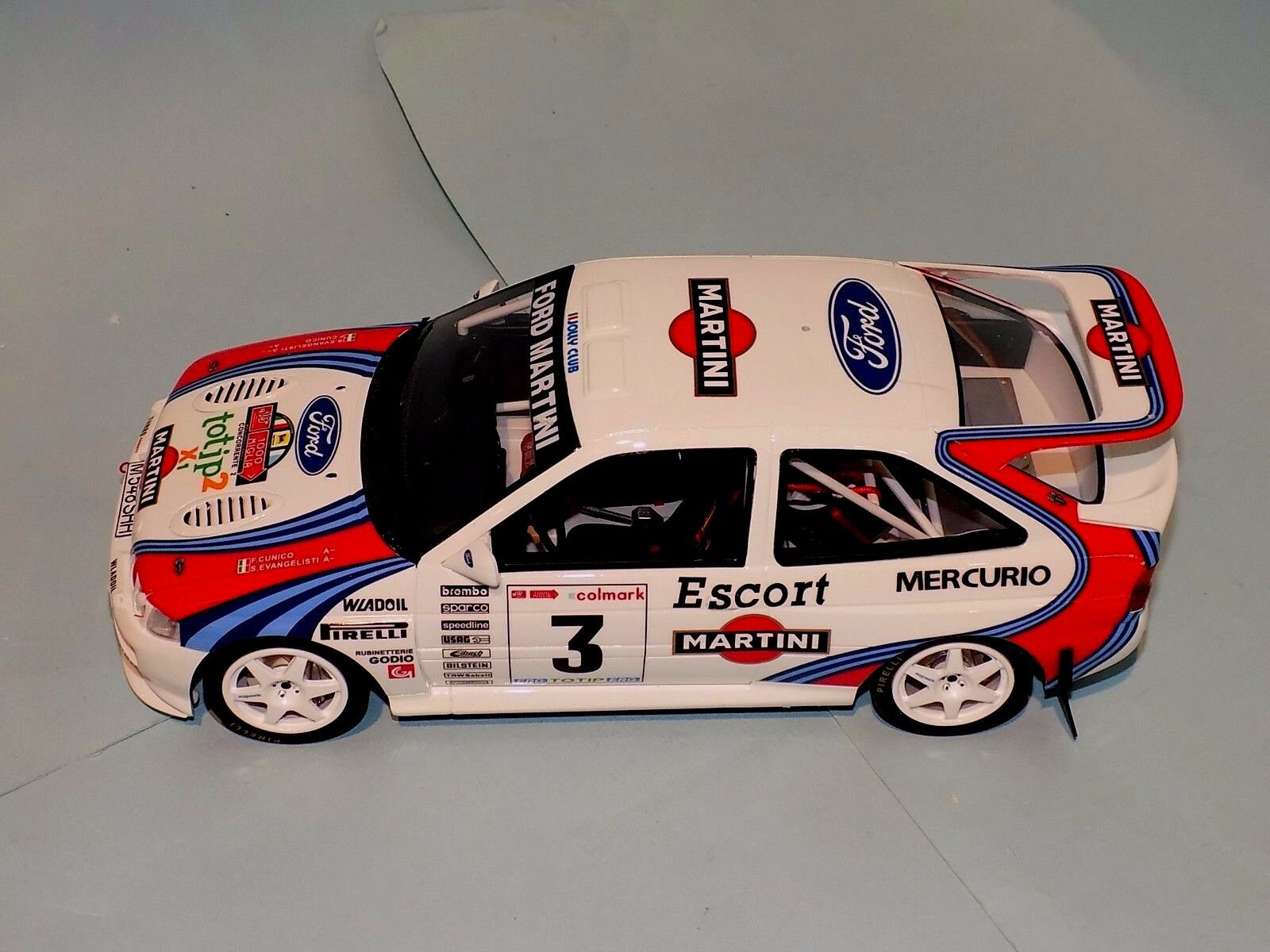 Ford Escort RS Cosworth Group A  3 1000 MIGLIA 1995 OTTO MOBILE OT204 1 18