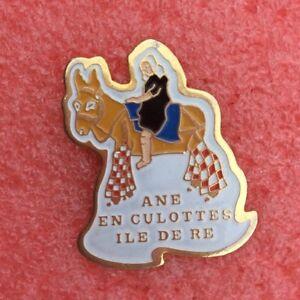 Pins TOURISME Ville Île De Ré ÂNE EN CULOTTES - France - État : Occasion: Objet ayant été utilisé. Consulter la description du vendeur pour avoir plus de détails sur les éventuelles imperfections. ... - France