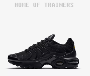 premium selection a319f 72f36 Details about Nike Air Max Plus Triple Black Boys Girls Unisex Trainers All  Sizes