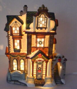 Grandeur-Noel-Victorian-Village-Restaurant-Christmas-1999-Vintage-Porcelain