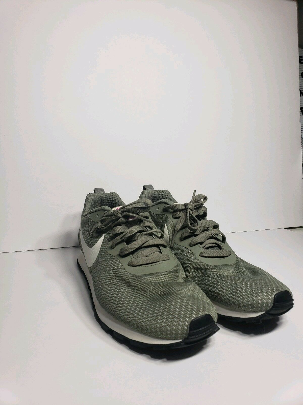 NIKE SIZE MD RUNNER OLIVE MENS SIZE NIKE 9 WOMENS SIZE 11 10310c