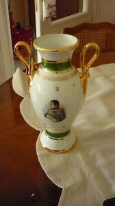 VASE-et-CENDRIER-en-porcelaine-de-luxe-Napoleon