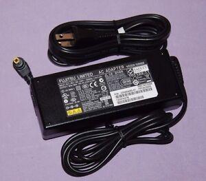 Genuine-Fujitsu-AC-Adapter-FPCAC62W-19V-4-22A-DC-Output-Brand-New