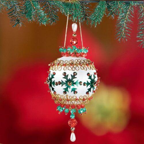 "/""Stylish Snowflakes/"" Kit makes 2 Ornaments Bead /& Sequin   5/"" tall new"