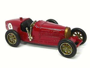 Matchbox-Lesney-Y6-2-1926-Supercharged-Bugatti-Tipo-35