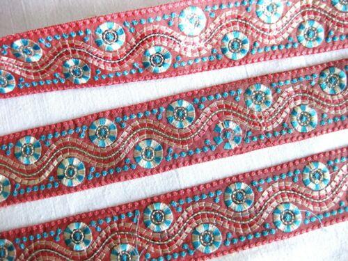 Borte mit aufgestickten Muster u.Pailletten in verschieden Farben,45mm,lfm,B365