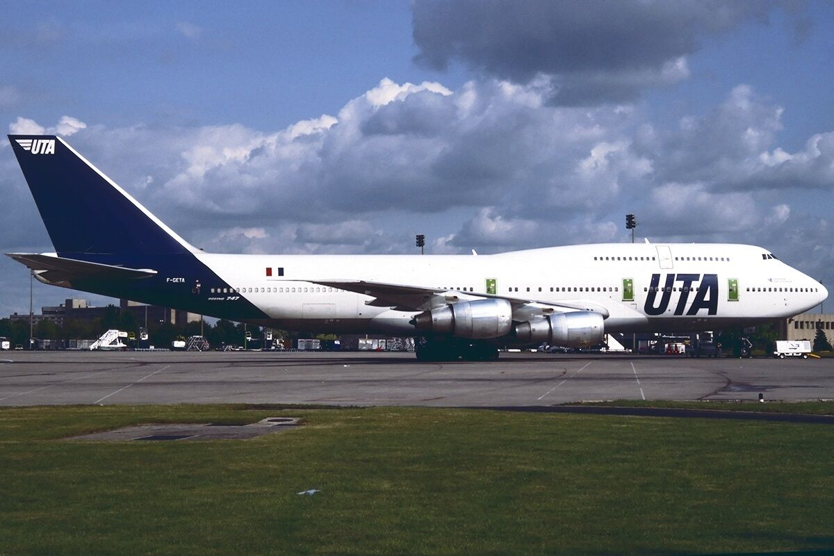 INFLIGHT 200 IF743UTA001 1 200 BOEING 747-300 F-GETA UTA COMPLETE WITH STAND