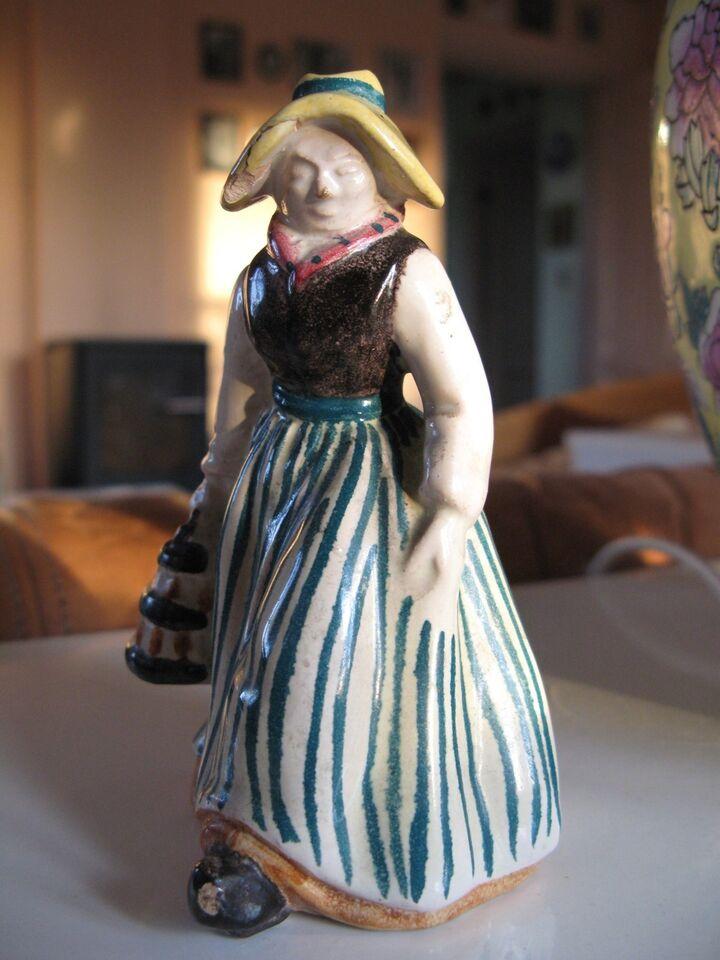 Kvindefigur. Michael Andersen, Bornholm