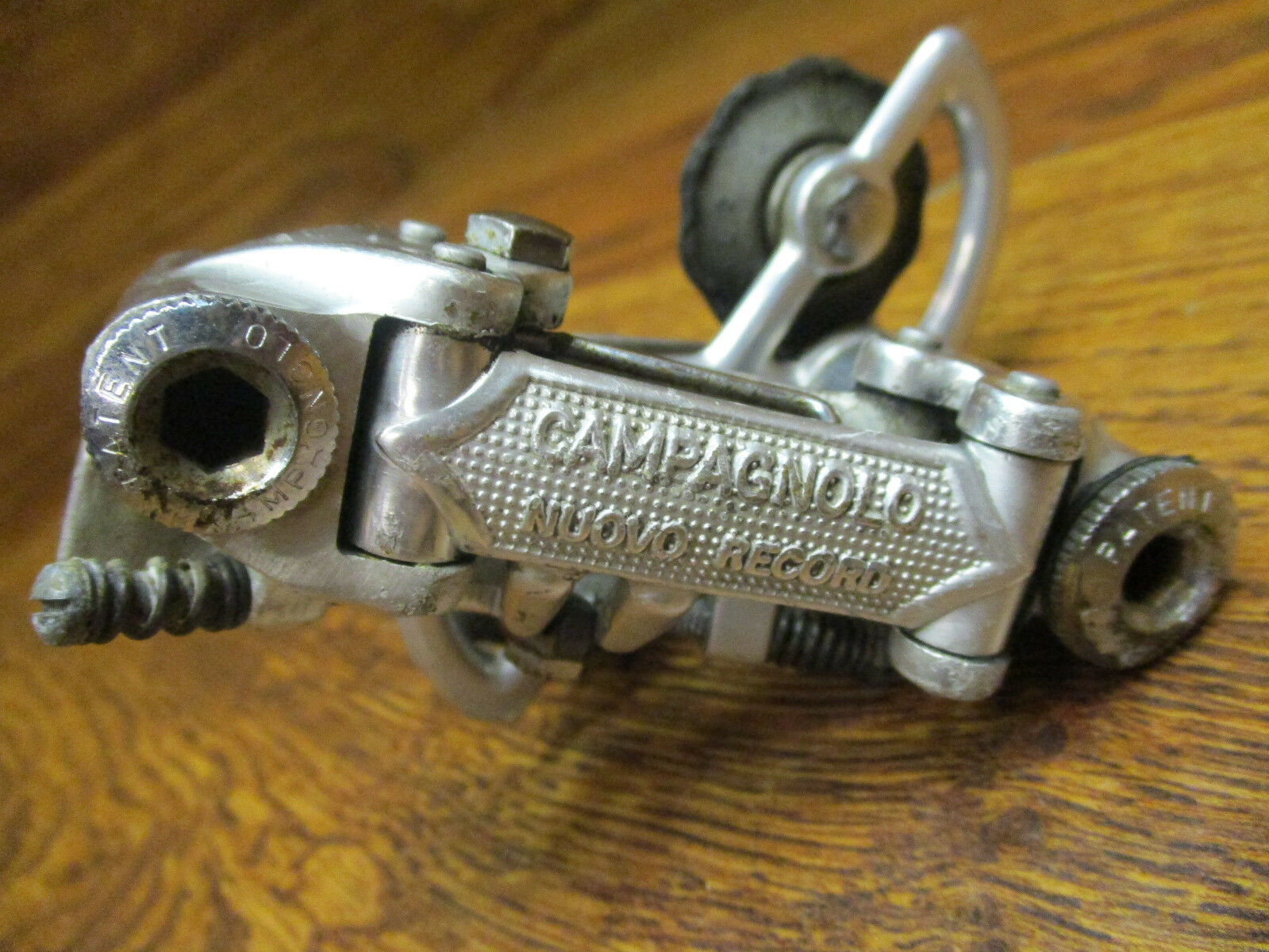 VINTAGE CAMPAGNOLO NUOVO RECORD REAR  DERAILLPAT. 72  we supply the best