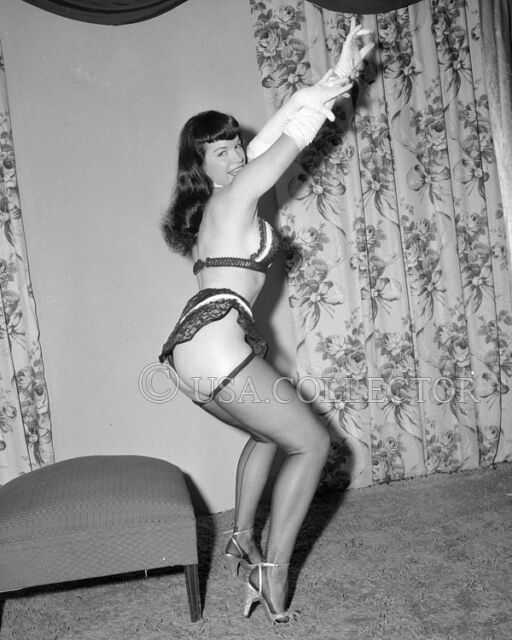 RARE ORIGINAL VINTAGE 1950's BETTIE BETTY PAGE PIN UP NEGATIVE IRVING KLAW 8055