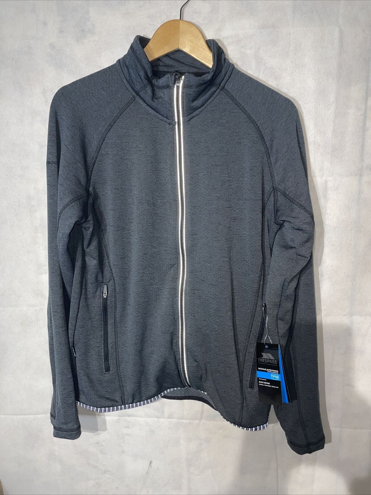 Trespass Mens Active Top Long Sleeve Full Zip Quickdry Tembering. New Tagged M