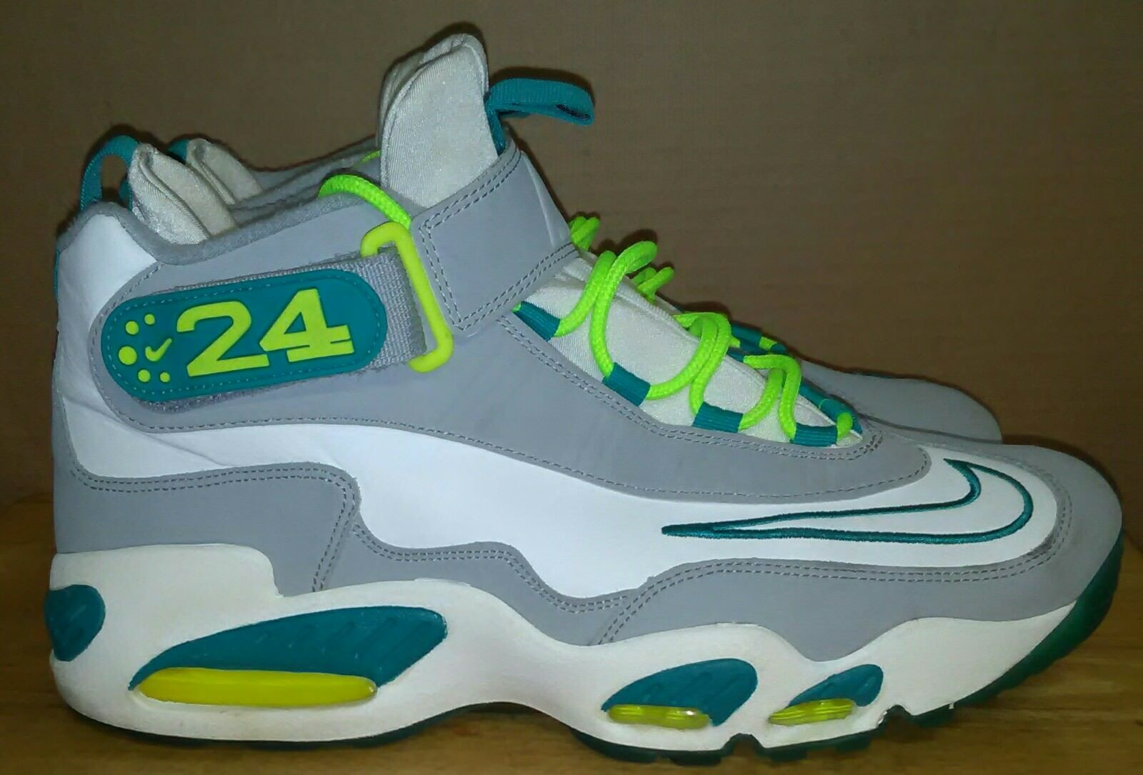 DS Nike Air Griffey 1 white neon turbo green 354912 104 . Size US 13