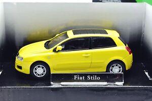 MODELE-AUTO-FIAT-STILO-ECHELLE-1-43-MOULE-SOUS-PRESSION-VOITURE-MODEL-MINIATURES