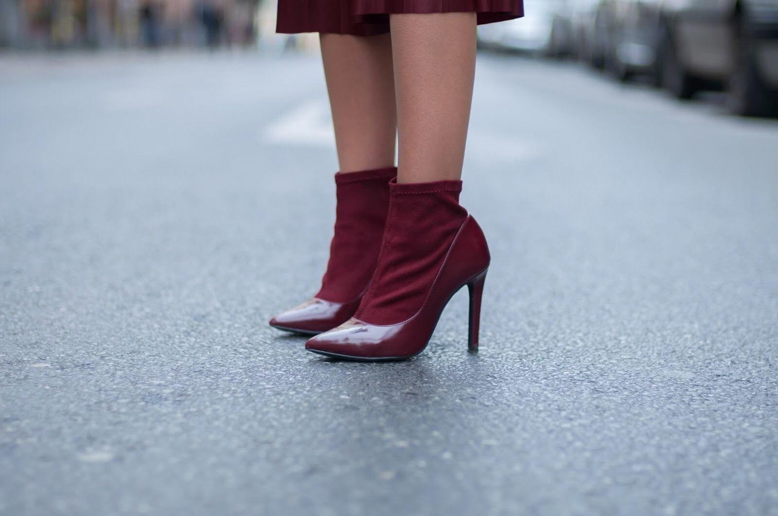 Zara Burgund Socke Style Bbsatz Stiefeletten Größe UK6/EU 39/US8