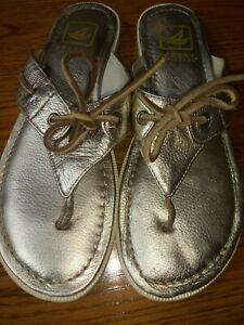 Sperry Flip Flops Size 7 Gold