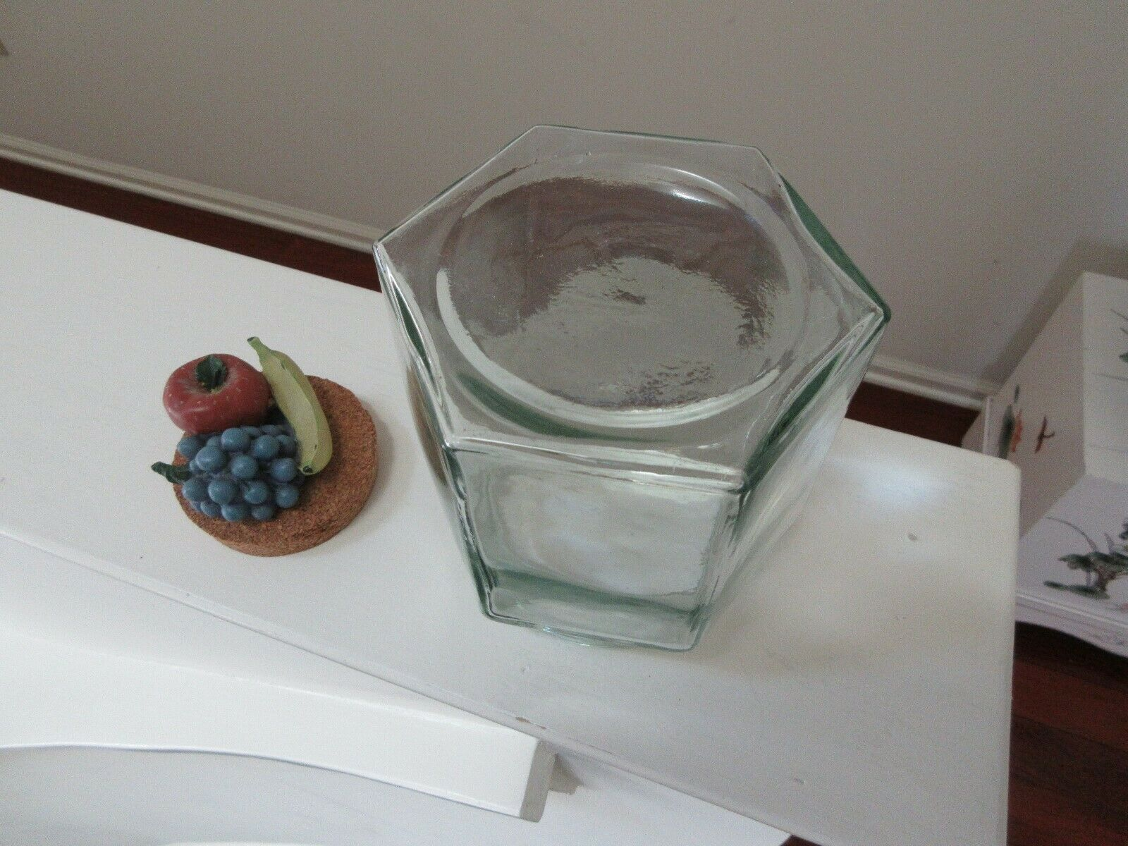 """6 Sided Glass Container , Fruit Decor LId , 6""""X5""""X6"""" pl"""